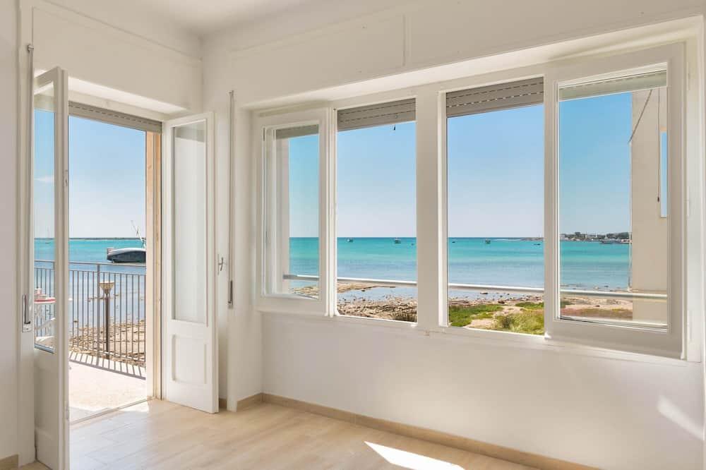 Standard Apartment, 2 Bedrooms (Trilo Primo Piano Vista Mare) - Ruang Tamu