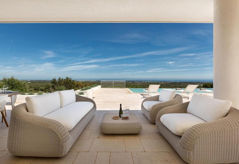 Villa Orizzonte, Carovigno, Comfort House, 3 Bedrooms, Terrace/Patio