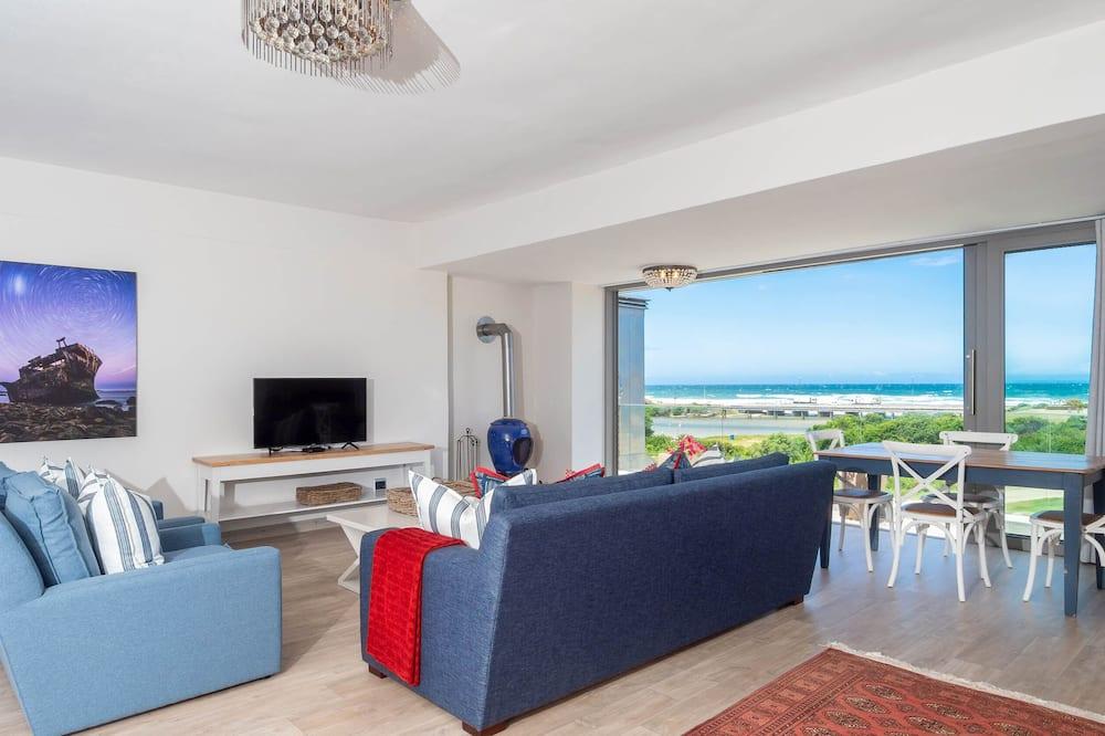 Panoramic Studio Suite - Living Area