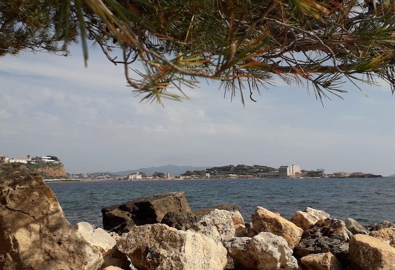Les hameaux de Provence, Bandol, Beach