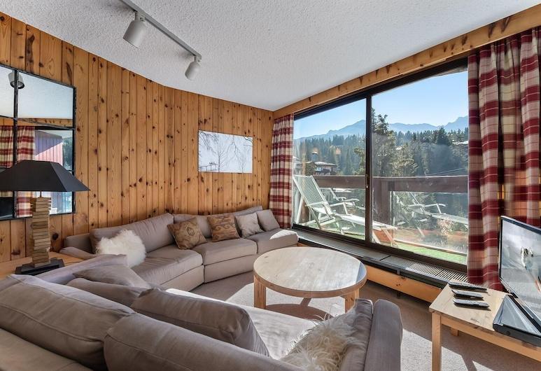 Jardin Alpin 407b: True Alpine Apartment in a Ski-in Ski-out Residence, Courchevel, Apartment, Multiple Beds (Jardin Alpin 407B: True Alpine apartm), Living Room