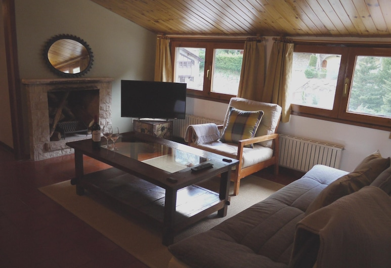 Apartment With 2 Bedrooms in Arinsal, With Wonderful Mountain View and Wifi, Arinsal, Living Room