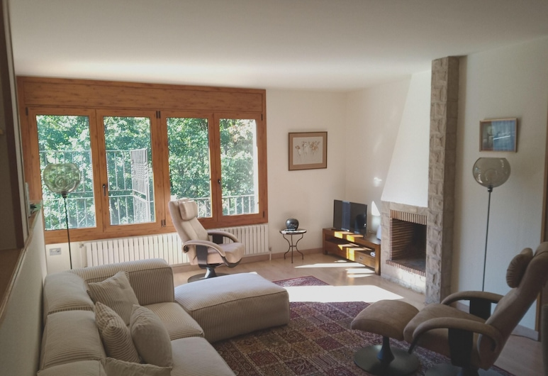 Apartment With 3 Bedrooms in La Massana, With Wonderful Mountain View and Wifi, La Massana