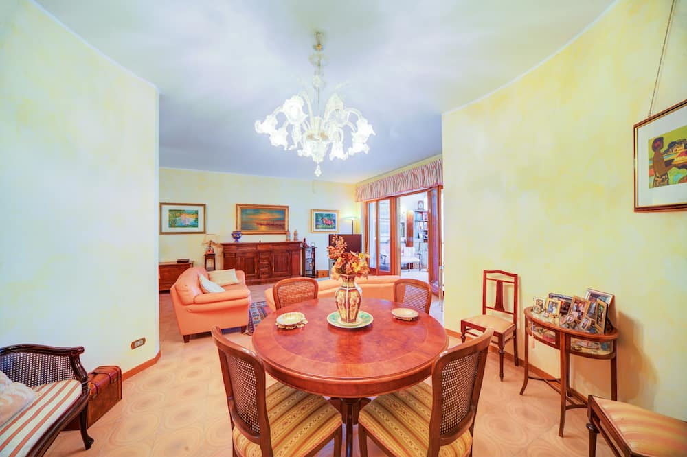 Apartment, 2 Bedrooms, Balcony (Siracusa Teatro Greco Apartment) - In-Room Dining