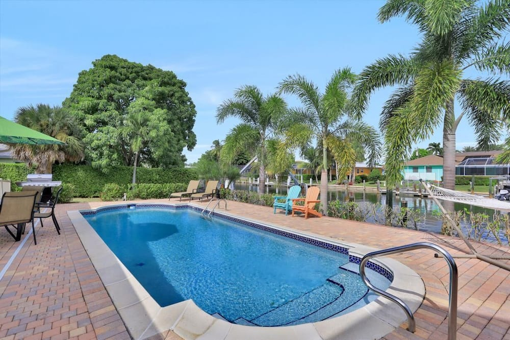 House, Multiple Beds (Fairlawn Court Pool Home) - Pool