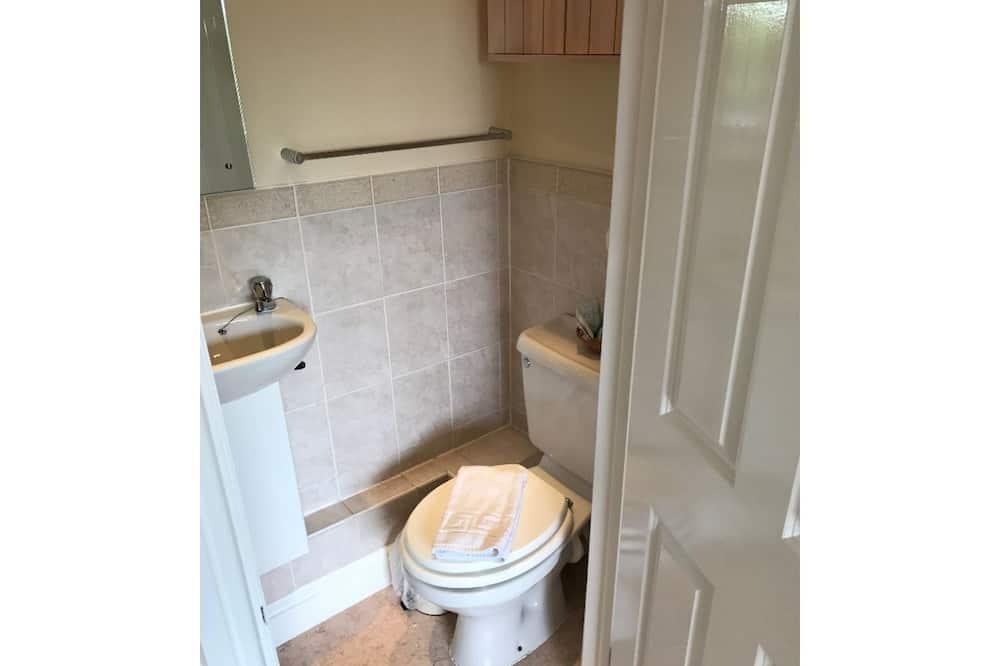 Leilighet – comfort, privat bad, utsikt mot hage (Queens Rd Rental: 3 Rooms) - Bad