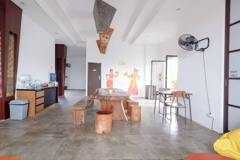 Slaapzaal, gemengd - Gemeenschappelijke keuken