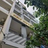 Nhu Huynh Hotel