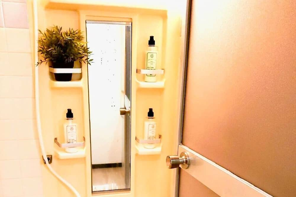 ファミリー ルーム - バスルーム