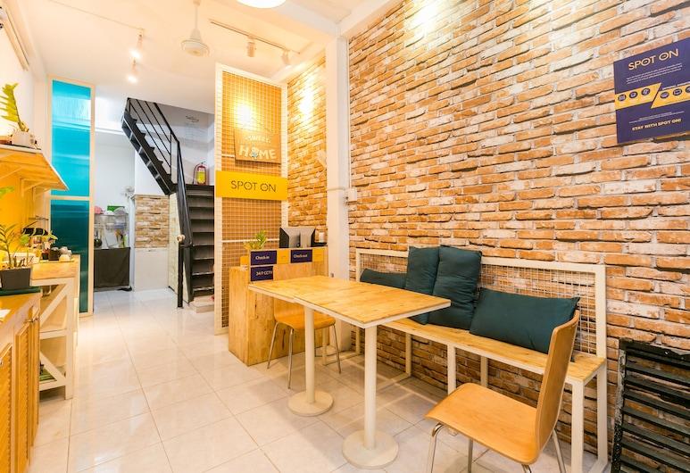 SPOT ON 659 Sweet Home 1421 - Hostel, Ho Chi Minh City, Receção