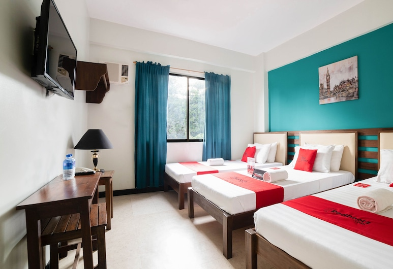 RedDoorz Plus near Rizal Junction, Puerto Princesa, Twin Room, Guest Room