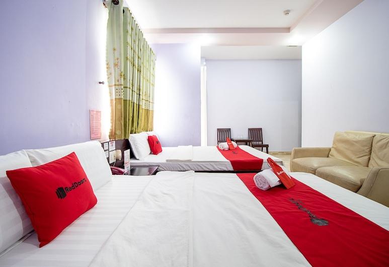 RedDoorz near Vincom Go Vap, Ho Chi Minh City, Pokój rodzinny, Pokój