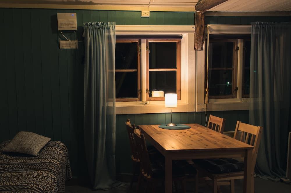Cottage (Rorbu 11) - Living Area