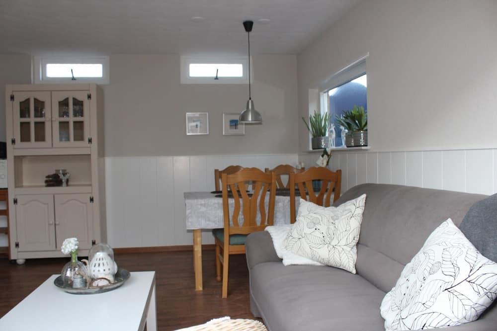 Talo, 2 makuuhuonetta, Terassi - Oleskelualue