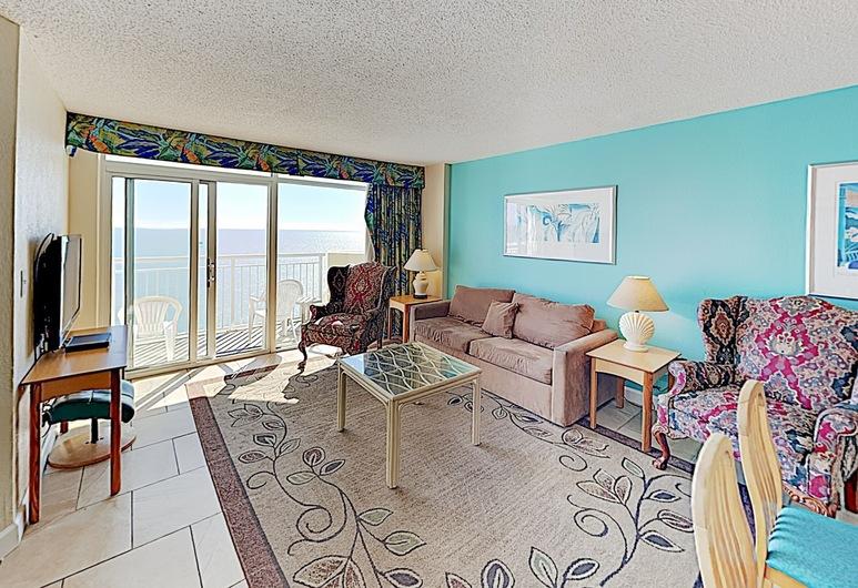 New Listing! Beachfront Resort W/ Epic Amenities 3 Bedroom Condo, North Myrtle Beach