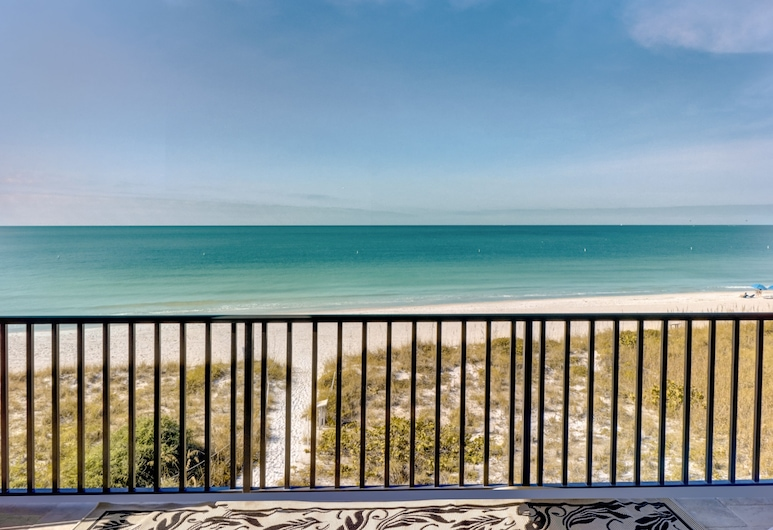 Gulf-front W/ Pool & Direct Beach Access 4 Bedroom Home, Treasure Island, Hus, 5 soverom, Balkong