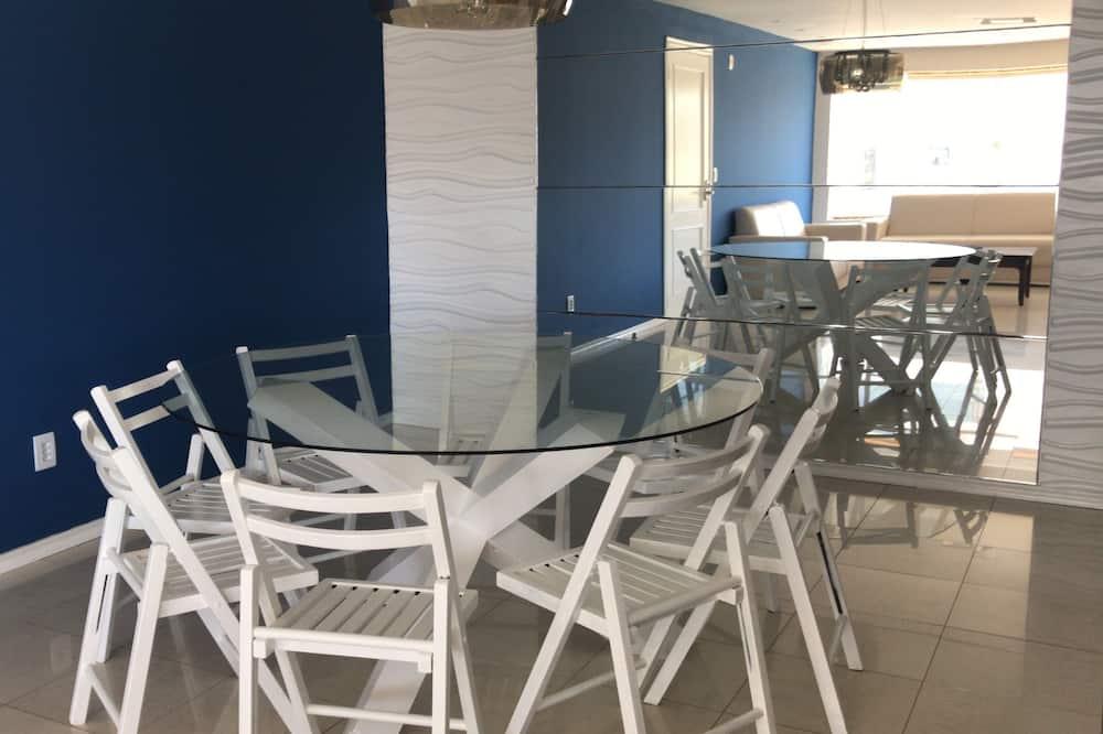 Family Apart Daire, 4 Yatak Odası, Mutfak, Kule - Odada Yemek Servisi