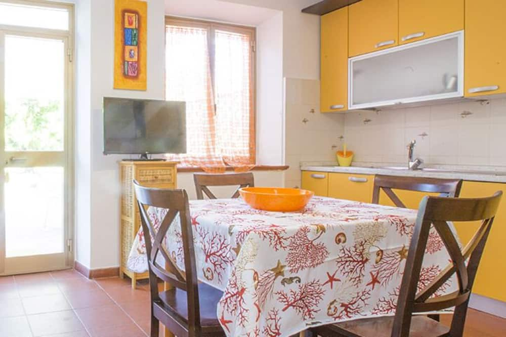 Apartment, 2 Bedrooms (LE PRIMULE) - Living Area