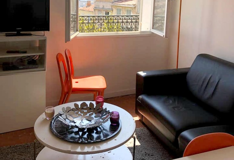 Apartment With one Bedroom in Marseille, With Wonderful City View and Balcony, Marseille, Living Room