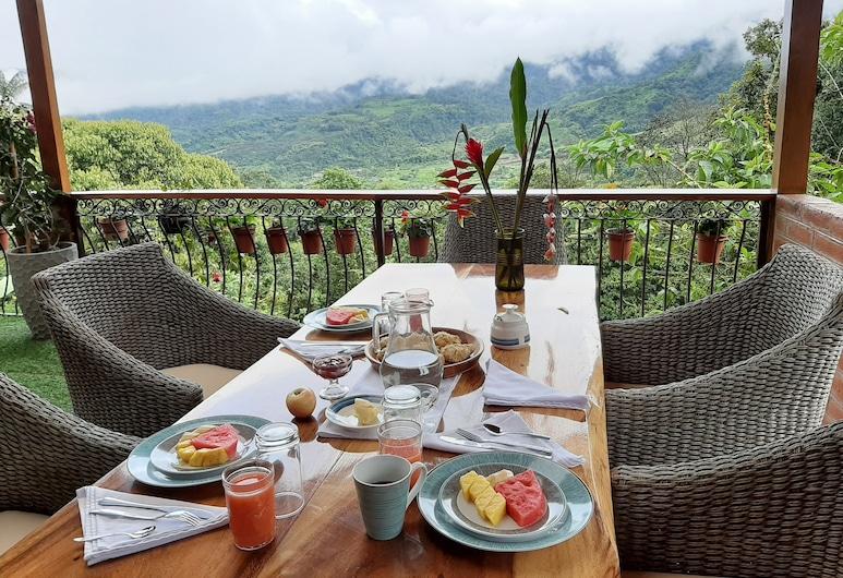 Casa de Vista Alta, Mindo, Outdoor Dining