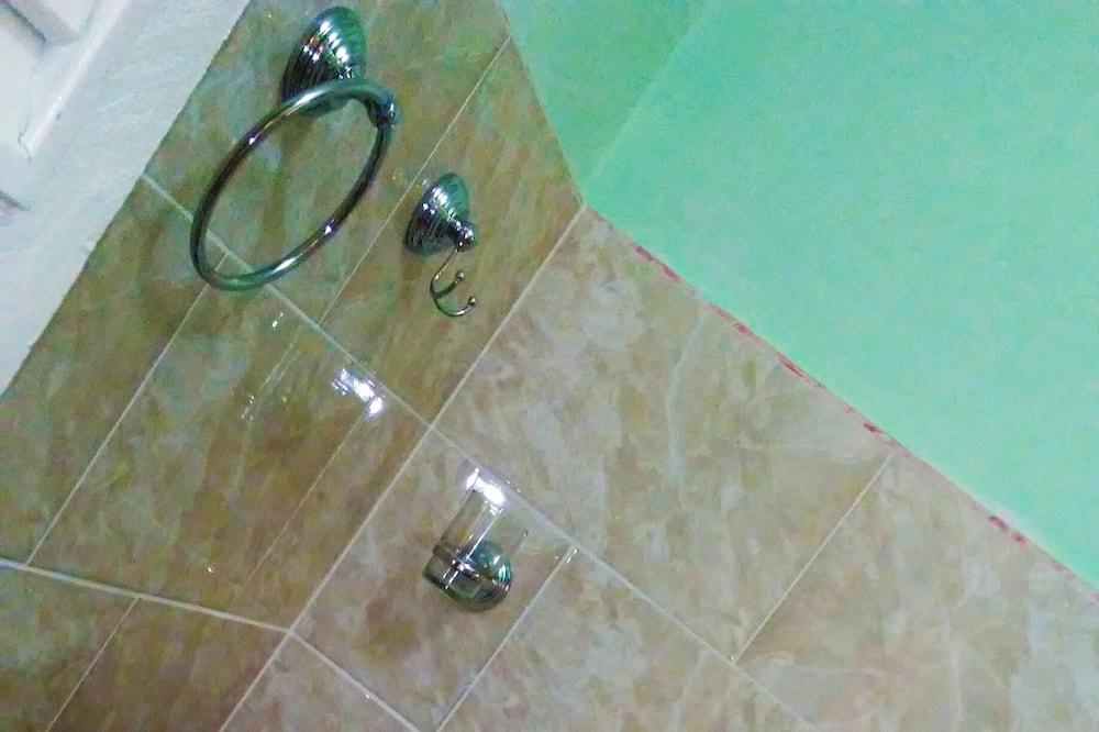 컴포트 트리플룸, 침대(여러 개) - 욕실