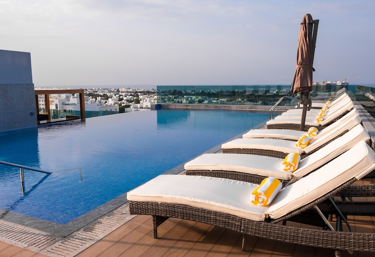 Royal Tulip Muscat, Muscat, Rooftop Pool