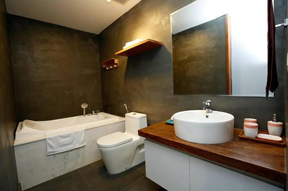 Panoramic Studio - Bathroom