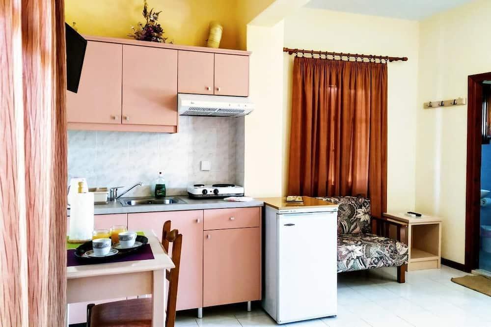 Studio (3 Adults) - Living Area