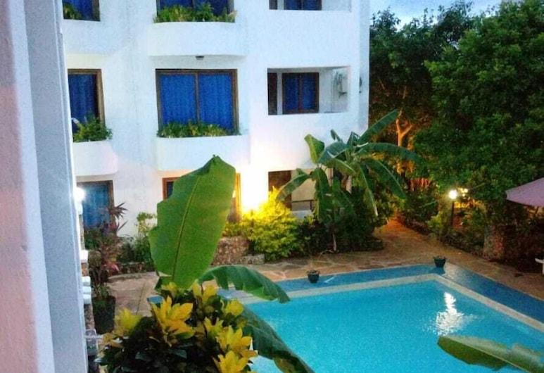 Rock Galana Holiday Apartments, Diani Beach, Outdoor Pool