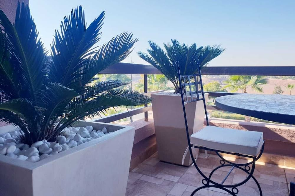 Royal Apartment - Terrace/Patio