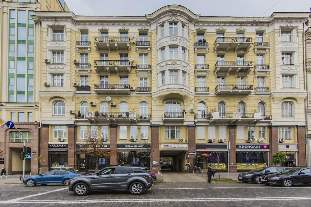 Stylish Apartment Close ot the Opera