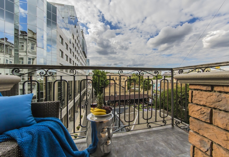 Art Apartment Kiev City Center, Kyiv, Luxe appartement, Balkon