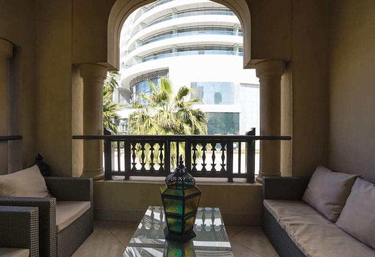 Secluded Apartment in the Heart of Downtown, Dubajus, Balkonas