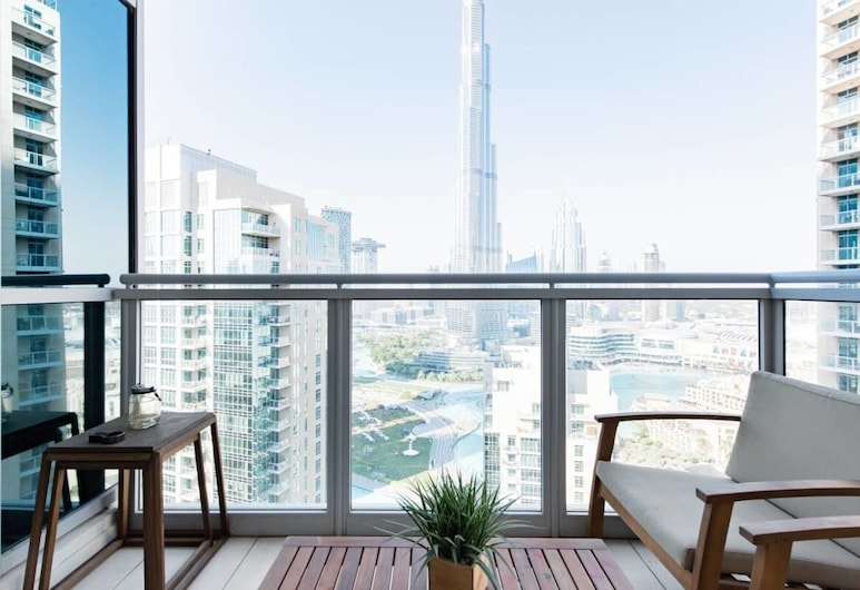 Home Opposite the Burj With Epic Views From Every Room, Dubajus