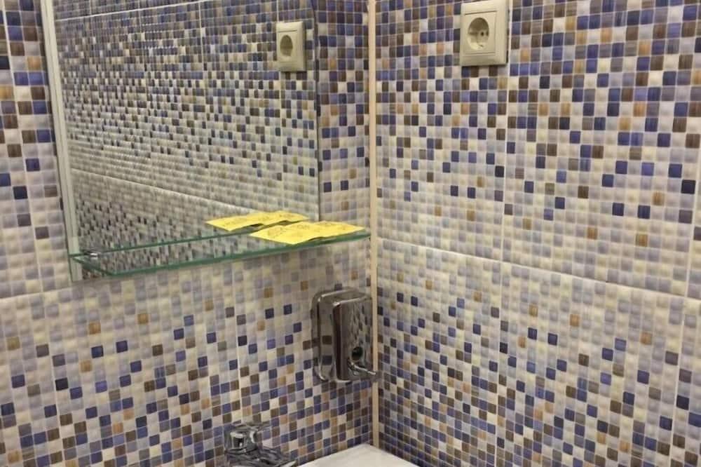 Deluxe Τρίκλινο Δωμάτιο - Μπάνιο