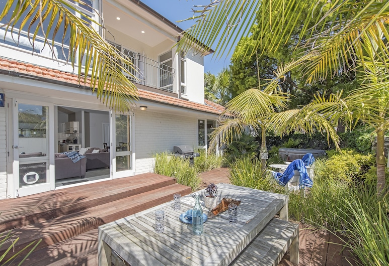 Large Mission Bay Apmt - Perfect Location!!, Auckland, Patio