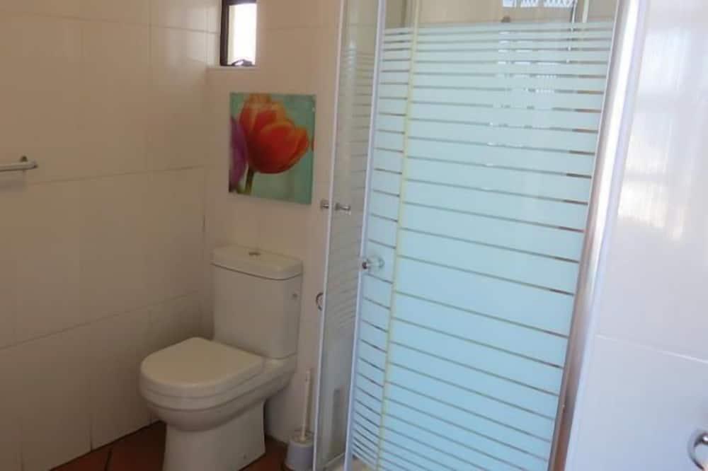 Family Apartment, 3 Bedrooms - Bathroom
