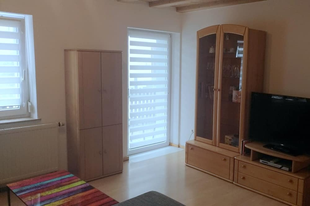 Apartment, 2 Bedrooms (incl. final cleaning fee 30 EUR) - Living Room