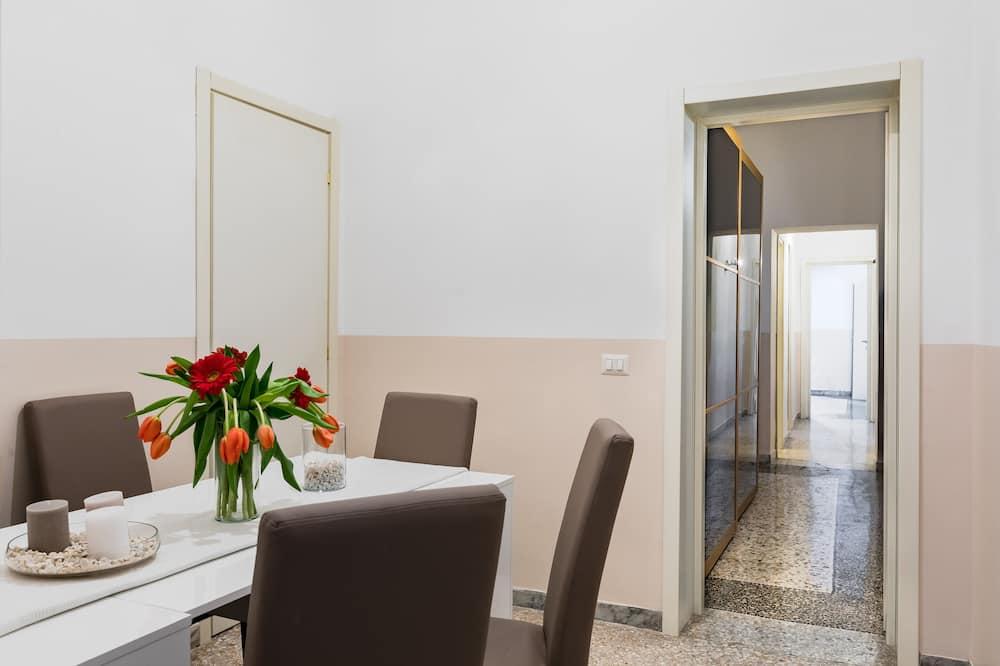 Apart Daire, 2 Yatak Odası (A World Aparts - 55 Palermo) - Odada Yemek Servisi