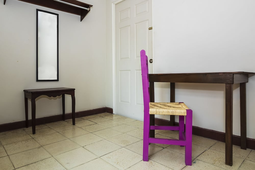 Standard Room, Multiple Beds - In-Room Dining