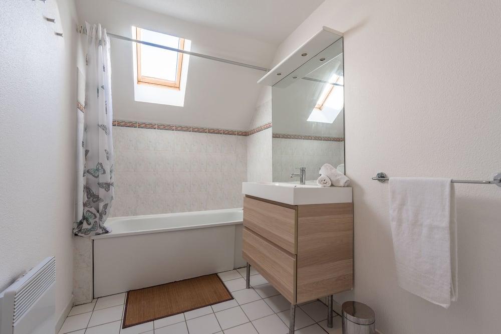 Dom, vlastná kúpeľňa - Kúpeľňa