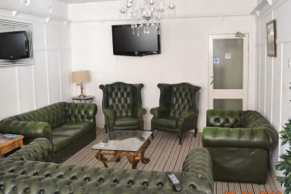 Family room ( 3 people ) - Living Area