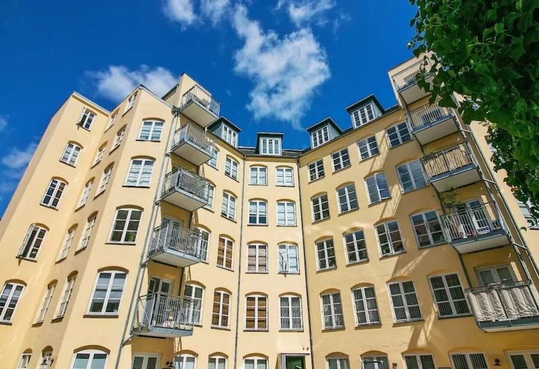 Two-bedroom Apartment in the Iconic Historical Part of Copenhagen, Kodaň