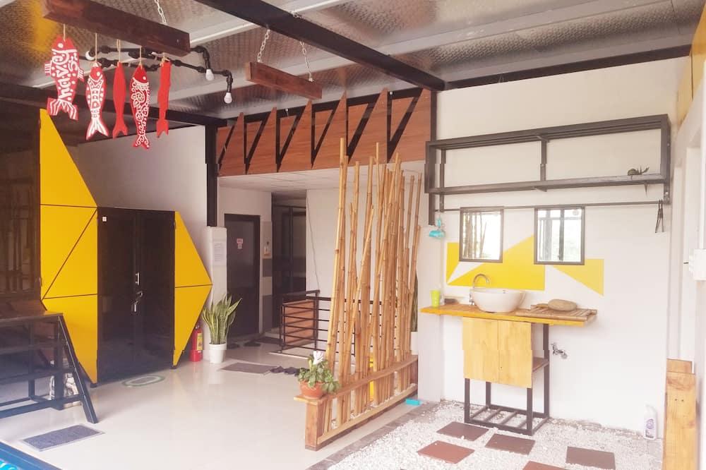 Capsule - Living Area