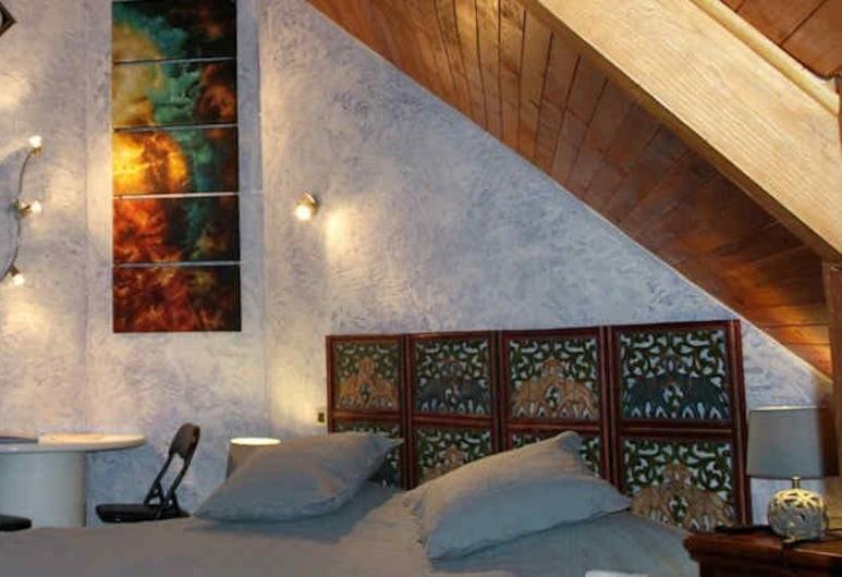 Chambres et table d'hôtes La Combette, Mont Lozere et Goulet, Family Suite (Indienne), Guest Room