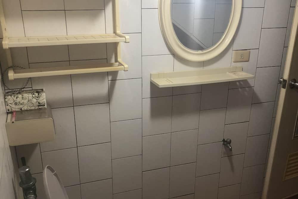 Værelse til 4 personer - fælles badeværelse - Badeværelse