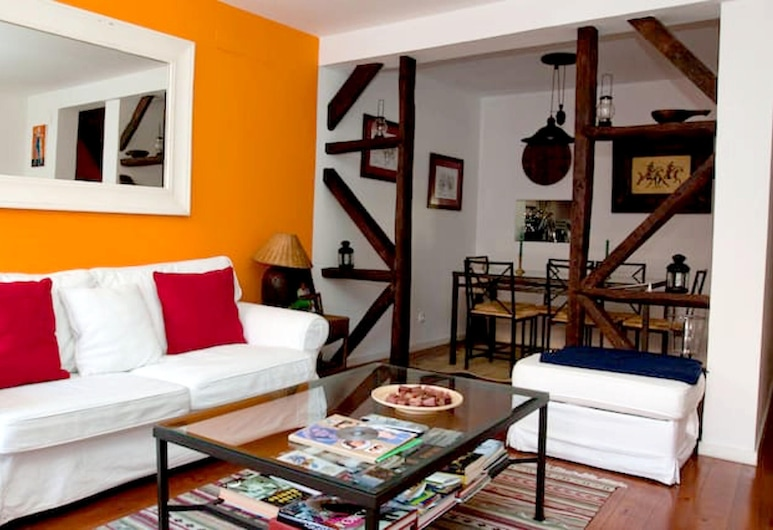 Apartment With one Bedroom in Lisboa, With Wifi, Lisbon, Living Room