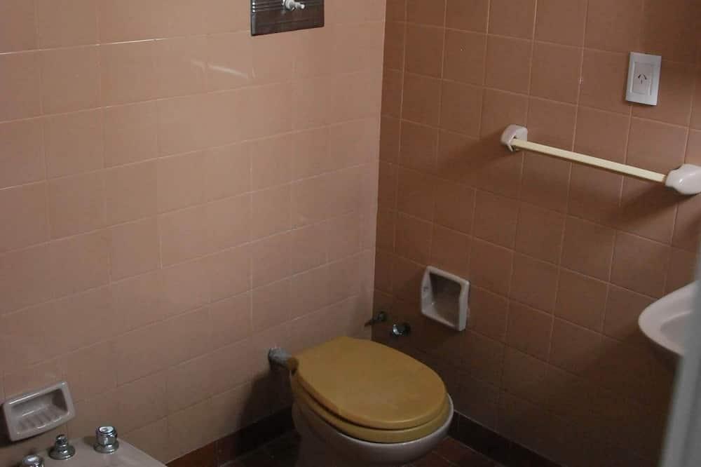 Стандартний чотиримісний номер - Ванна кімната