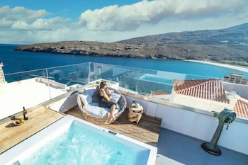 Picture of Castle Abaso Boutique Apartments in Andros