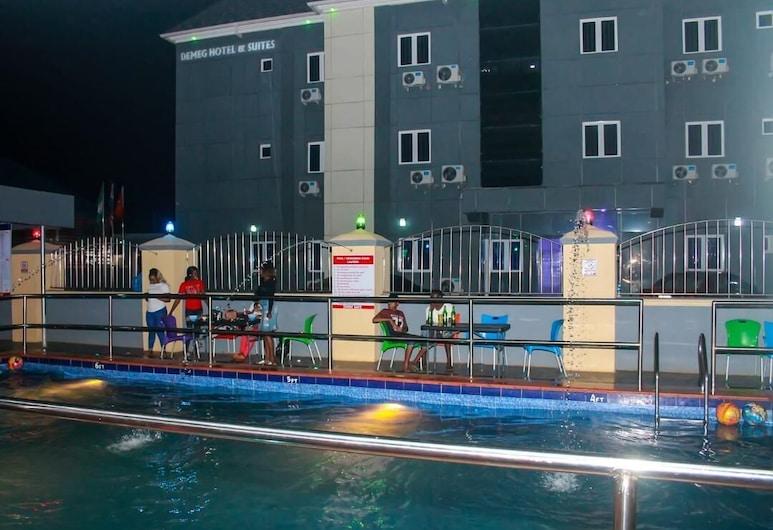 迪梅戈套房飯店, 拉各斯, 室外游泳池